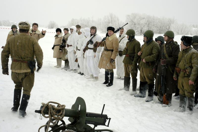 Militär-historische Rekonstruktion 'der Durchbruch der Blockade von Leningrad im Bereich des Nevskaya Dubrovka 'war gehaltenes i stockbilder