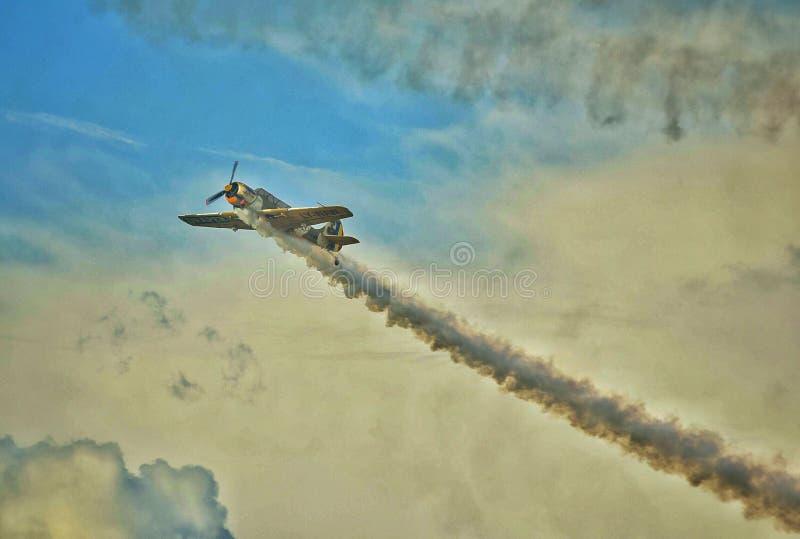 Militär jaktflygplannivå på Bucharest internationell flygshowSNEDHET 2018 royaltyfri foto