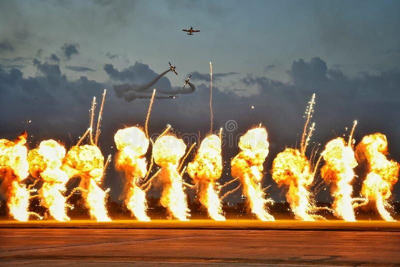 Militär jaktflygplannivå på Bucharest internationell flygshowSNEDHET 2018 fotografering för bildbyråer