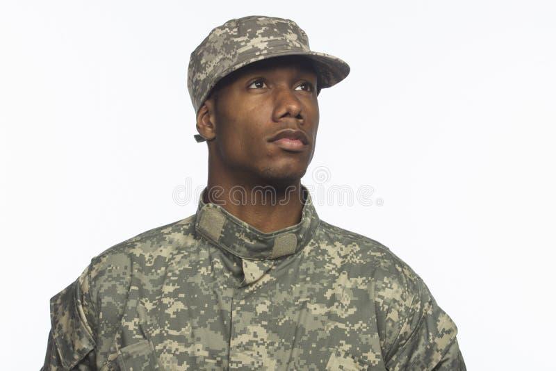 Militär man för ung afrikansk amerikan som är horisontal arkivfoto