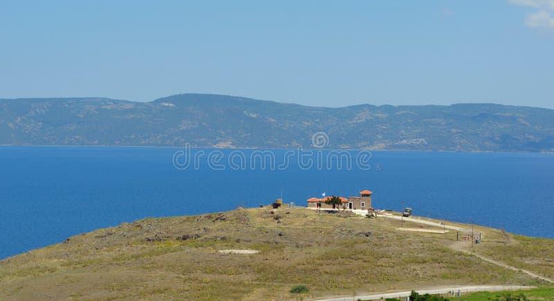 Militäraussichtbeitrag Molyvos, der die kurze Entfernung zwischen Lesvos und der türkischen Küste übersieht stockfoto