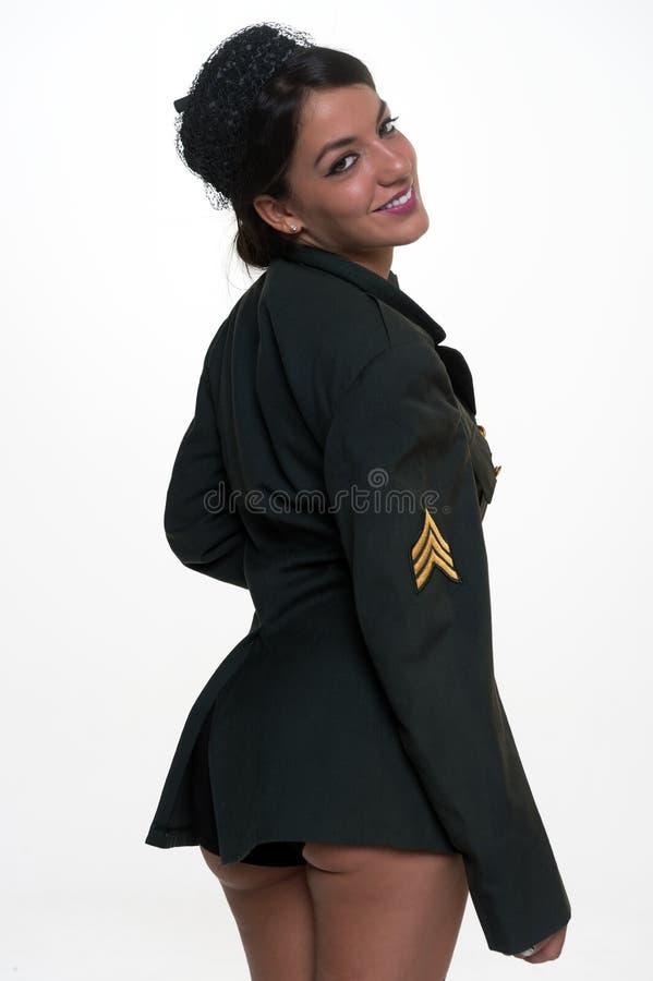 Militärfrau, die zurück darstellt lizenzfreies stockbild