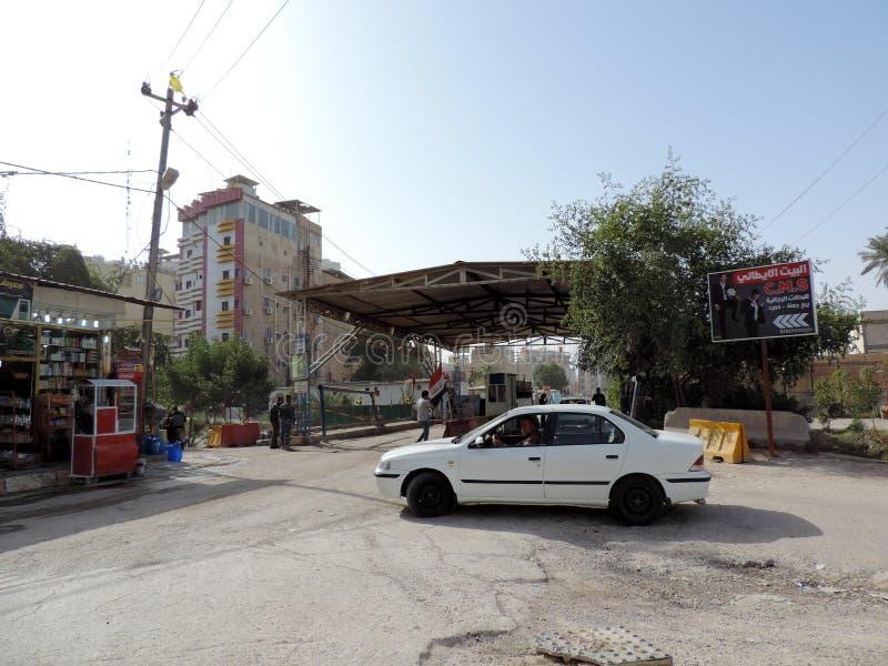 Militärkontrolleposten auf den Straßen von Nadschaf lizenzfreie stockfotos