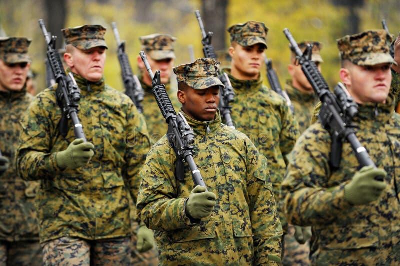 Militärparade lizenzfreies stockfoto