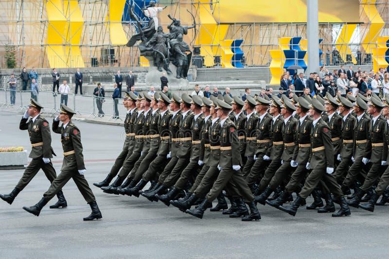 Militärparade während des ukrainischen Unabhängigkeitstags stockfotografie