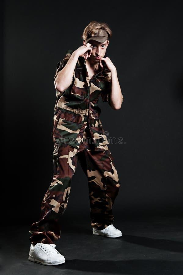 militärt uniform barn för man royaltyfri fotografi
