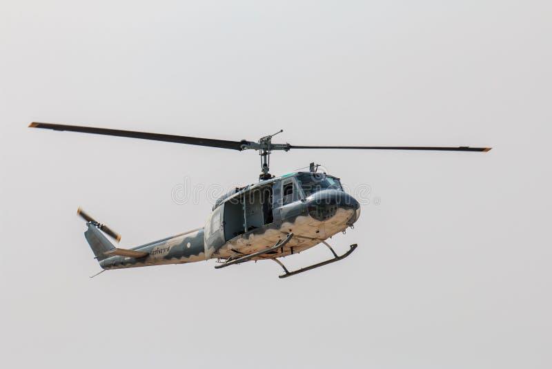 Milit?r helikoptershow p? barns dag i Chiang Mai, Thailand arkivfoto