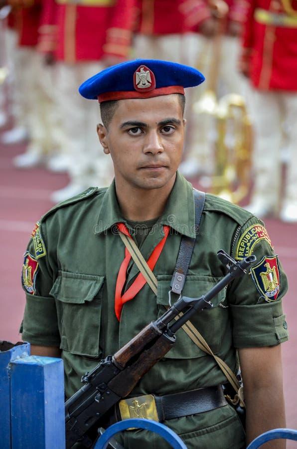 Militair van Egyptische Republikeinse Wacht in het stadion van Kaïro royalty-vrije stock foto