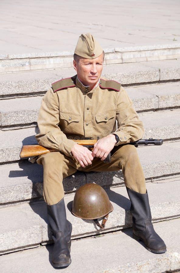 Militair van Rood Leger in de vorm van tijden van Wereldoorlog II royalty-vrije stock foto's