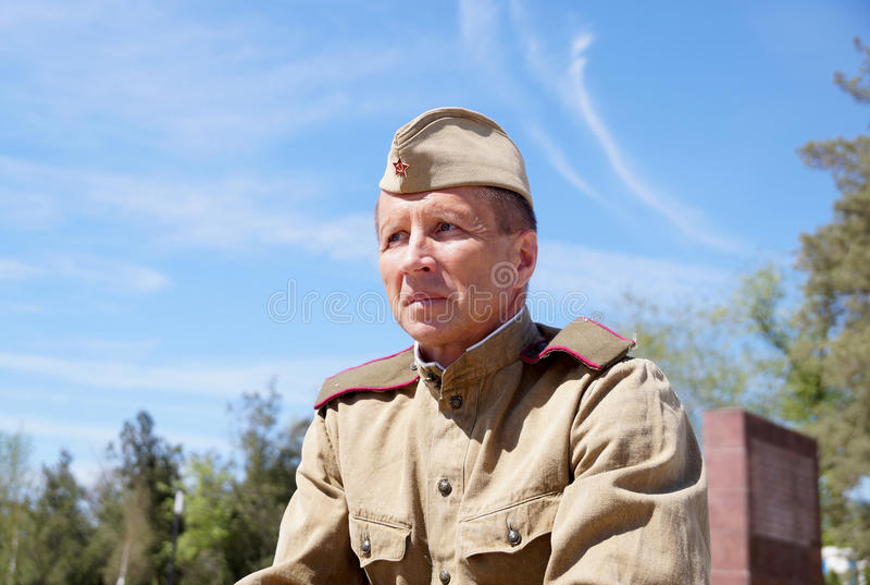 Militair van Rood Leger in de vorm van tijden van Wereldoorlog II royalty-vrije stock afbeelding