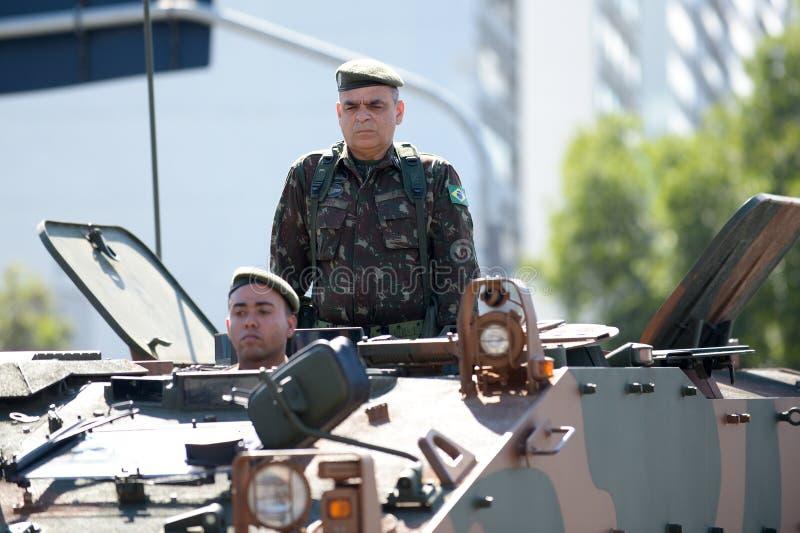 militaire burgerparade die de onafhankelijkheid van Brazilië vieren stock afbeelding