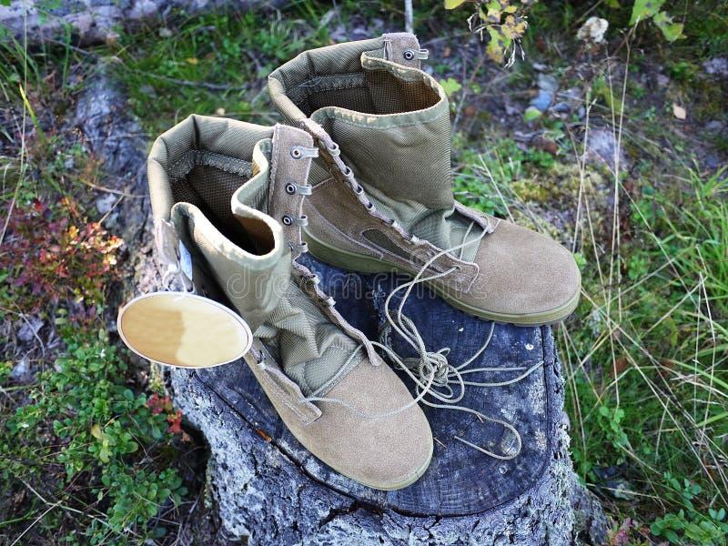 Militaire laarzen voor mensen Worden gebruikt voor materiaal en speciale strijdkrachten details stock fotografie