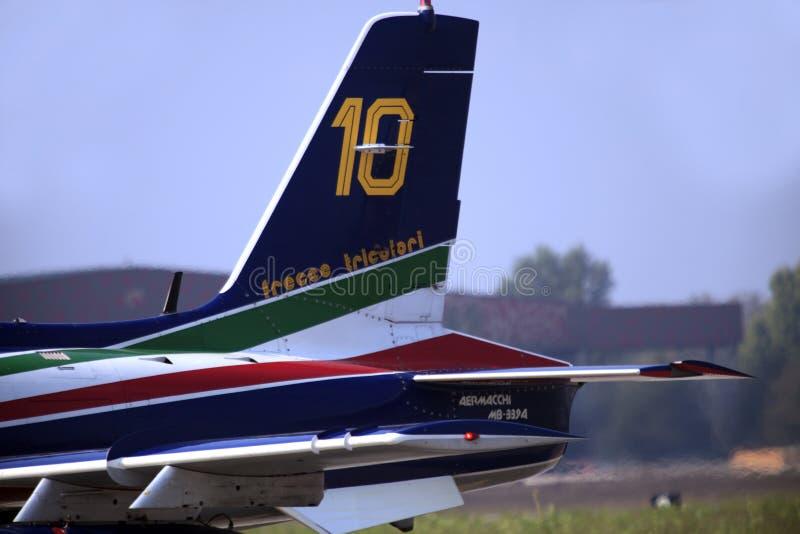 Militaire luchtmachtbasis Cameri, het Italiaanse acrobatische team 'Frecce Tricolori 'tijdens een airshow stock fotografie