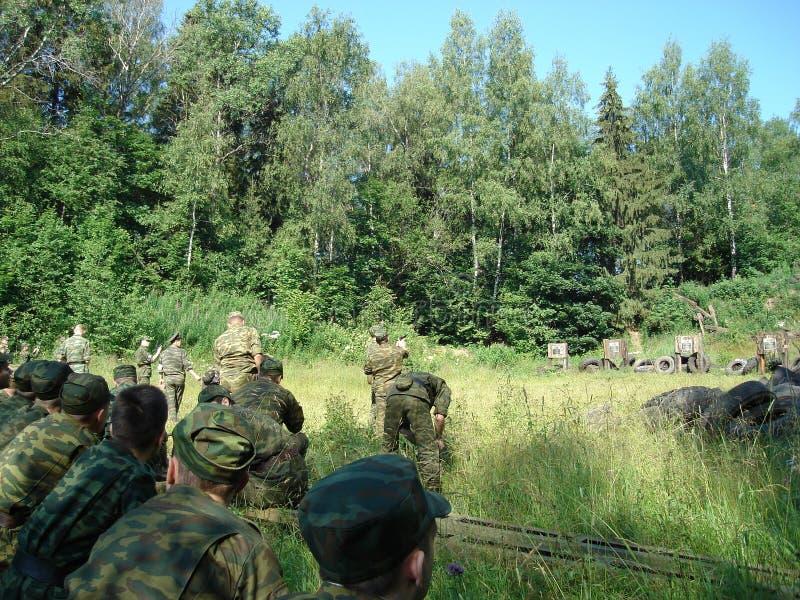 Militaire opleiding op de basis stock afbeelding