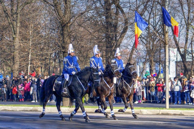 Militaire parade op paarden voor nationale dag in Roemenië stock foto's
