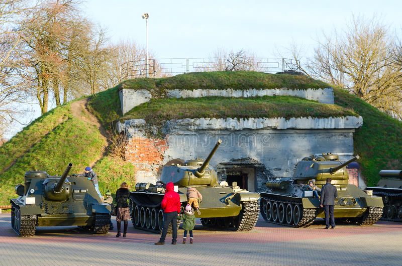 Militaire uitrusting in herdenkings complexe de Vestingsheld van Brest royalty-vrije stock afbeeldingen