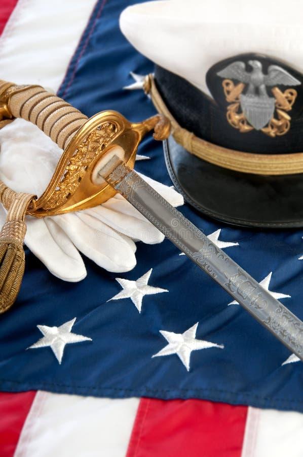 Militaire zwaard en handschoenen royalty-vrije stock afbeelding