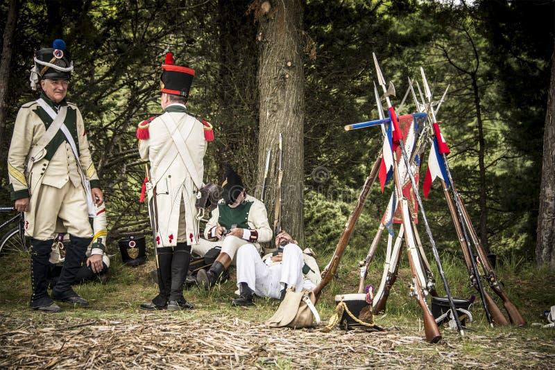 Militairen die vóór de belegering van het kasteel van Burgos, Spanje rusten royalty-vrije stock afbeelding