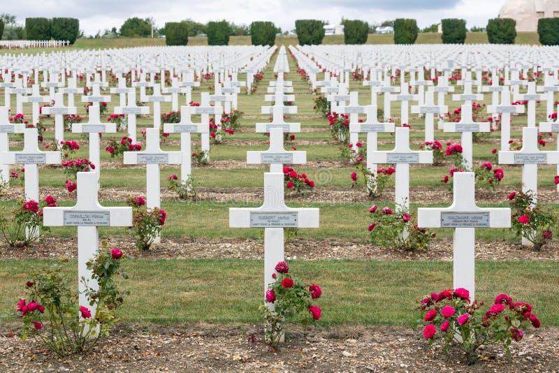 Militairen van de begraafplaats stierven de Eerste Wereldoorlog bij Slag van Verdun, Fran royalty-vrije stock foto
