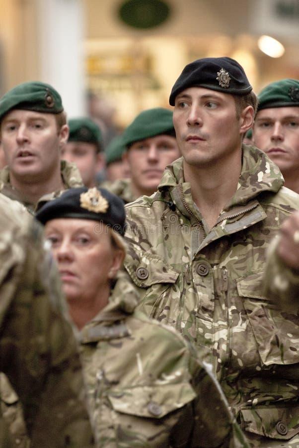 Militairen van het marcheren van de Brigade van 3 Commando stock foto