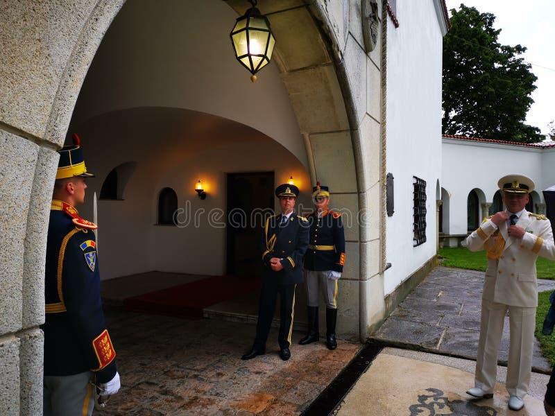 Militar do 30o protetor Regiment Mihai Viteazul pronto para a cerimônia imagens de stock royalty free