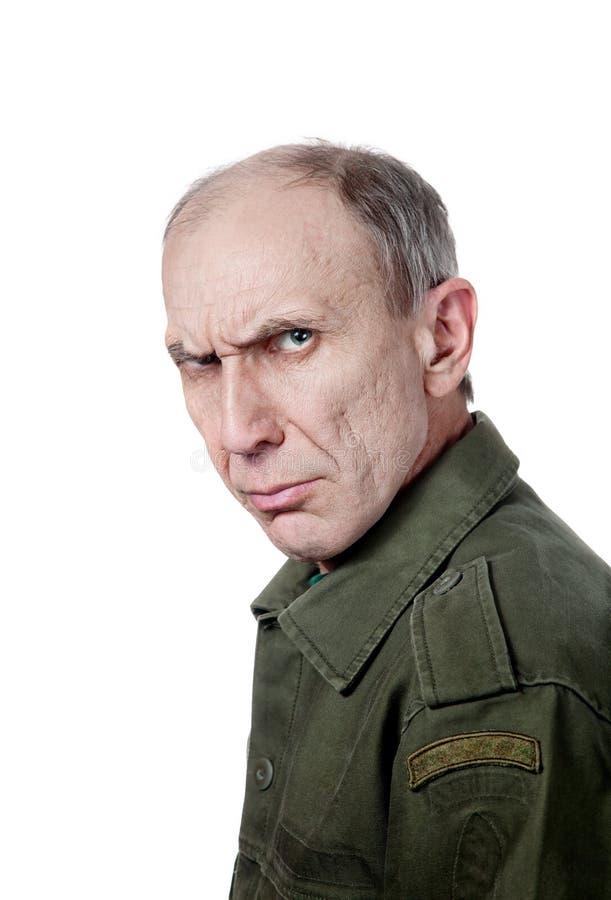 Militare che fissa alla macchina fotografica immagine stock libera da diritti