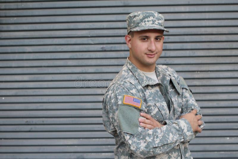 Militare isolato su Gray Background fotografia stock