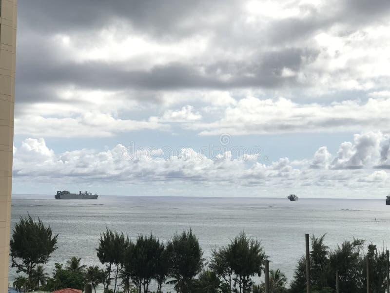 Militares de Guam del barco de la marina de guerra de Saipán imagenes de archivo