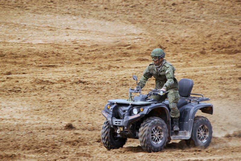 Militares rusos ATV foto de archivo