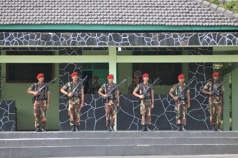 Militari delle forze speciali (Kopassus) dall'Indonesia fotografia stock libera da diritti