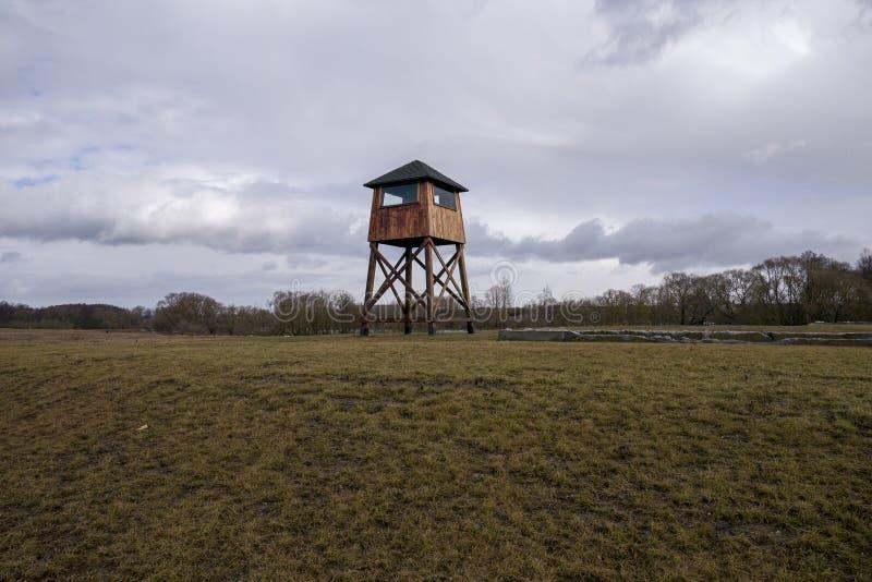 Militarna wie?a obserwacyjna w koncentracyjnym obozie zdjęcia royalty free