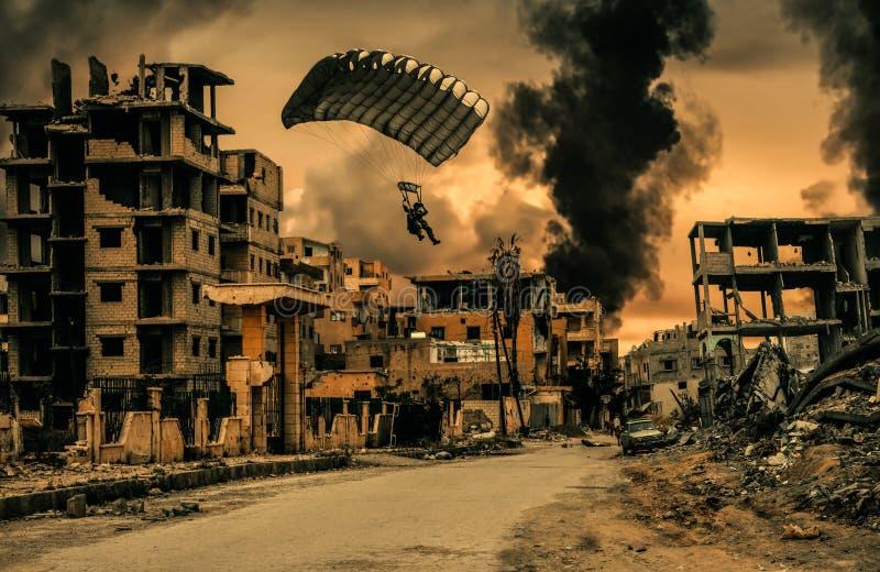 Militarny żołnierz z spadochronem w zniszczonym mieście royalty ilustracja