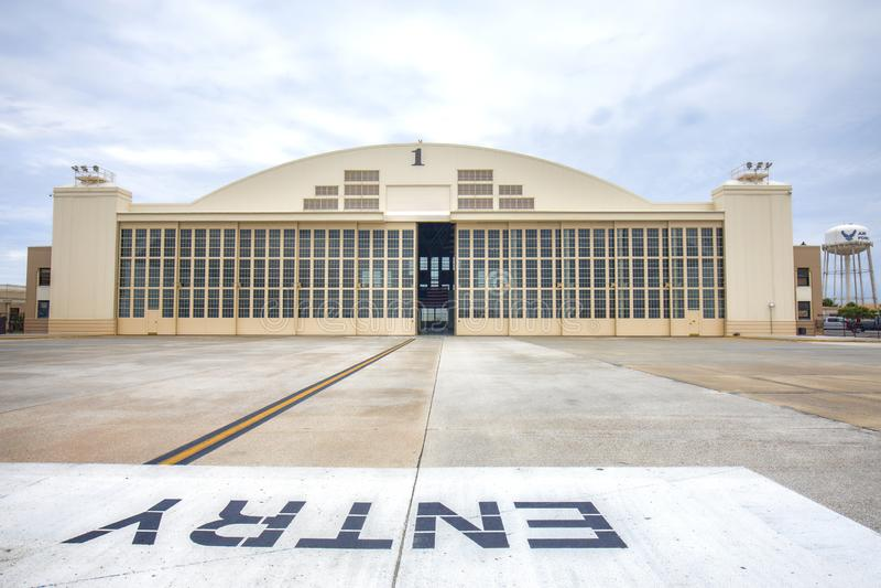Militarny hangar obraz stock