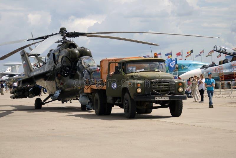 Militarny helikopter przy MAKS Międzynarodowym Kosmicznym salonem MAKS-2017 zdjęcia stock