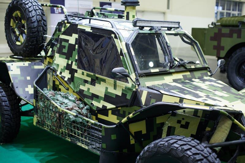 Militarny powozik Ukraińska produkcja przy wystawą obrazy royalty free