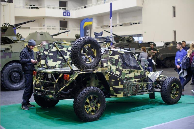 Militarny powozik Ukraińska produkcja przy wystawą zdjęcia royalty free