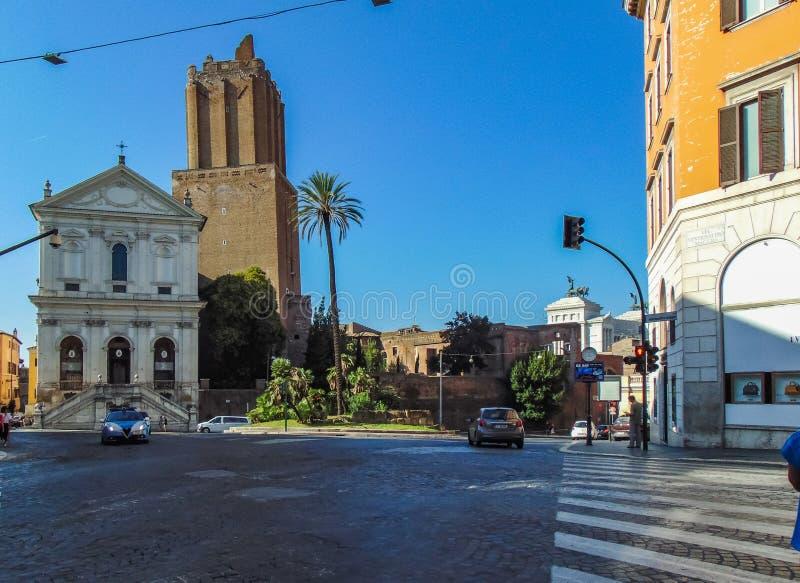 Miliz-Turm und Militärkathedrale von Santa Caterina da Siena stockbild