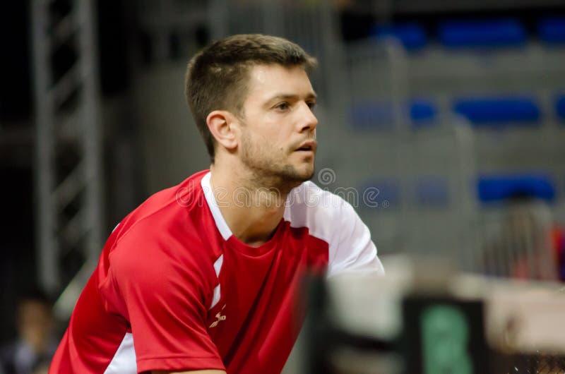 Miljan Zekic jouant dans le match contre les Etats-Unis, la Coupe Davis 2018, NIS, Serbie images stock