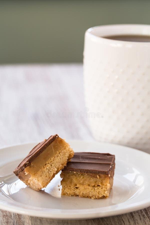 Miljonären bommar för kakor för godisen för karamellchokladmördegskakan royaltyfria foton
