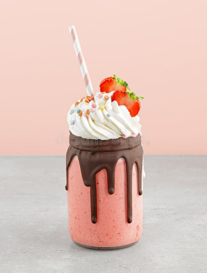 Milkshake de fraise et de banane photos libres de droits