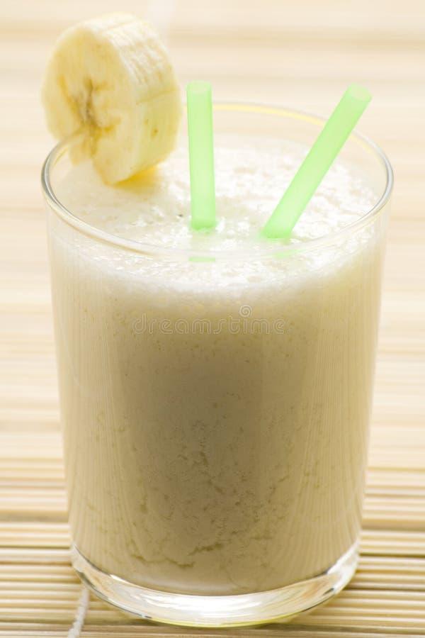 milkshake för frukt för banancaramel ny arkivbild