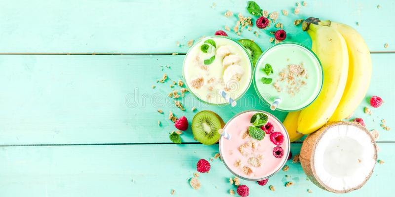 Αναζωογόνηση milkshakes ή καταφερτζήδες στοκ φωτογραφίες με δικαίωμα ελεύθερης χρήσης