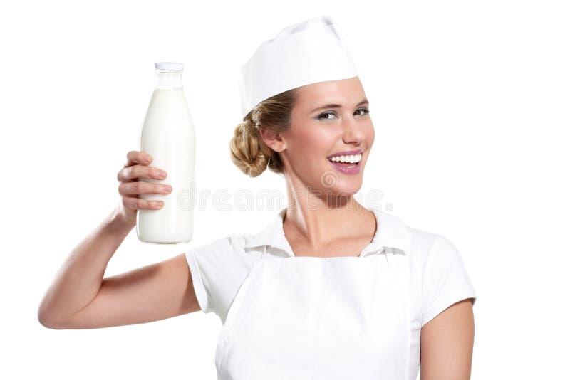 Download Milkwoman Feliz Novo Que Mostra Uma Garrafa Do Leite Fresco Foto de Stock - Imagem de feliz, delicioso: 29844392