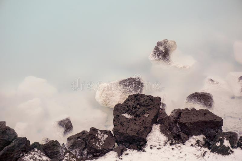 Milky вода голубой лагуны в Исландии в зиме стоковые фото
