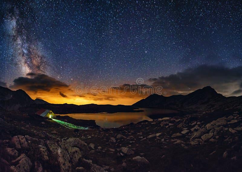 Milky sposób nad Tevno jeziorem fotografia royalty free