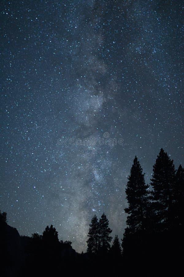 Milky sposób od Yosemite doliny obraz stock