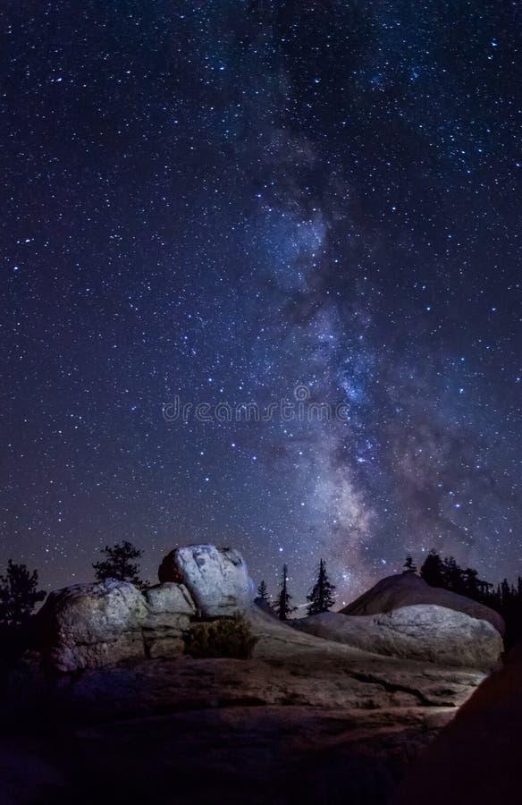 milky sposób przy Yosemite parkiem narodowym zdjęcia royalty free