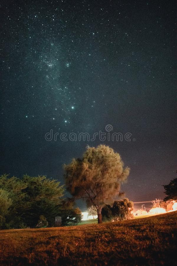 Milky sposobu sposób Przeciw Jasnemu niebu obrazy royalty free