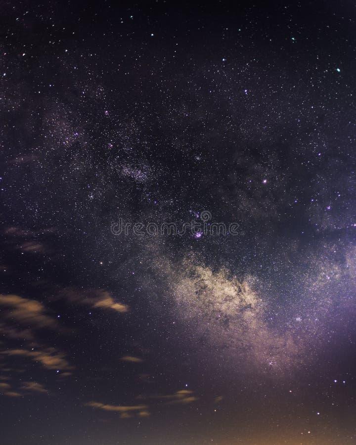 Milkyway над Venosa стоковые фотографии rf