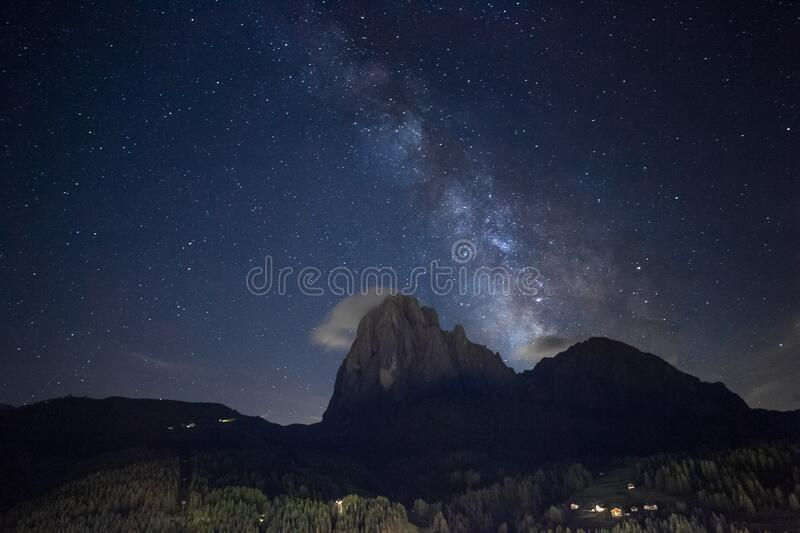 Milkyway over the Sassolungo from Val Gardena area royalty free stock images